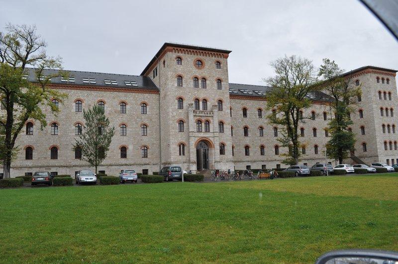 Musikhochschule Weimar:  Neugestaltung Flure und Treppenhäuser